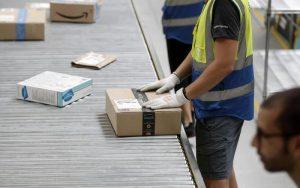 Amazon, incendio al centro di Torrazza Piemonte: evacuati 400 dipendenti