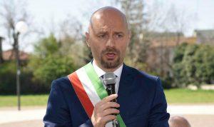 """Bibbiano, il sindaco Carletti chiede revoca dei domiciliari: """"Io il primo ingannato, non mi dimetto"""""""