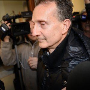 Antonio Logli ipoteca i beni per i debiti