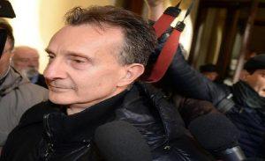 """Antonio Logli verrà licenziato dal Comune? Il sindaco di San Giuliano Terme: """"Già sospeso lo stipendio"""" (foto Ansa)"""