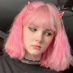Bianca Devins, influencer di 17 anni decapitata dal fidanzato. Che poi posta le foto del corpo smembrato