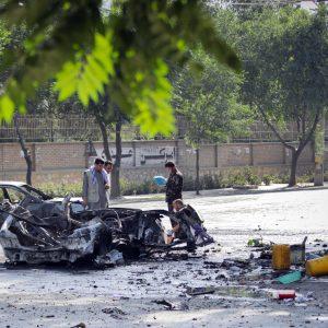 Autobombe Kabul, morti e feriti nell'esplosione