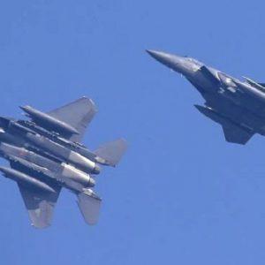 Corea del Sud, jet militare russo sconfina: caccia Seul sparati colpi di avvertimento