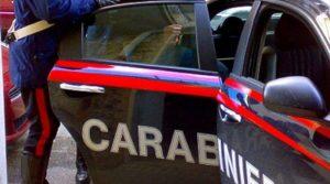 L'Aquila, uomo tenta il suicidio tagliandosi sul corpo: salvato dai carabinieri
