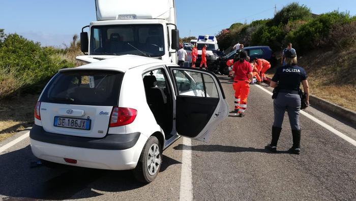 Castelsardo, incidente tra 2 auto e un furgone: Jonatan Caddia muore a 26 anni, ferita famiglia di turisti 03