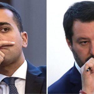 """Matteo Salvini ha detto ieri: """"Caduta la fiducia"""". Oggi l'ha ritrovata, sotto il divano?"""