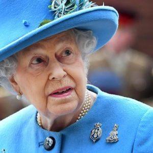 Regina Elisabetta, estate a caccia di pipistrelli: il castello di Balmoral è infestato