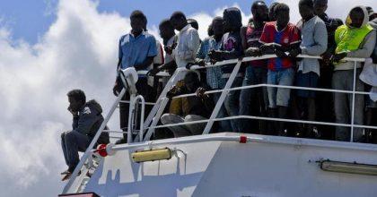 """Pd impotente sulla questione migranti? Due obiettivi per reagire: rivedere Dublino, aiuti """"a casa loro"""""""