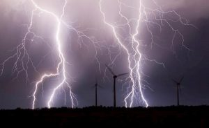 India, tempesta di fulmini fa strage: 39 morti nello stato del Bihar