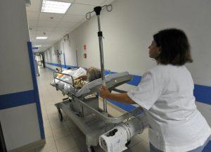 Asl Macerata: agli infermieri va pagato il tempo per mettere la divisa. 20 minuti al giorno di arretrati per cinque anni