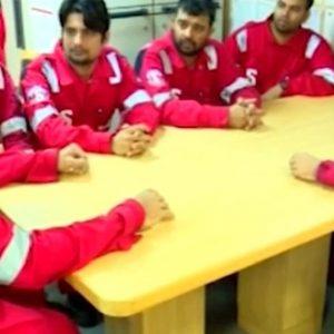 L'equipaggio della petroliera