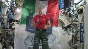 """Riscaldamento globale, Luca Parmitano lancia l'allarme dallo spazio: """"I deserti avanzano e i ghiacciai si sciolgono"""""""