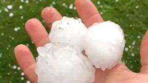Maltempo: oggi grandine in Emilia Romagna. Ad Ancona divieto di balneazione dopo la tempesta