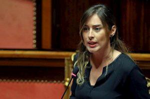 """Figlio di Salvini su moto d'acqua della Polizia, Boschi: """"Pensano di stare in un film"""""""