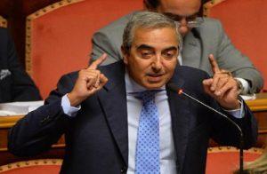 Il senatore Maurizio Gasparri (foto Ansa).