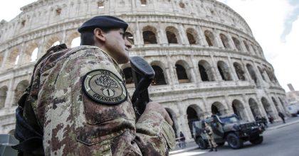 Terrorismo Roma, caccia al siriano ma non è in Italia