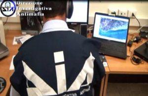 'Ndrangheta a Varese, 34 arresti. Le cosche puntavano ai parcheggi di Malpensa (foto d'archivio Ansa)