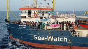 I no global del mare, narcisismo fanatico della misericordia Ong