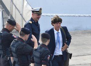 Migranti, procuratore di Agrigento fa a pezzi la linea Salvini: sbarchi in calo, no prove Ong-trafficanti...