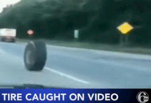 lo pneumatico rotola sull'autostrada