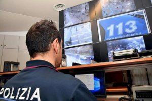 Milano, sgominata banda dei finti poliziotti: inscenavano perquisizioni e blocchi, 11 arresti