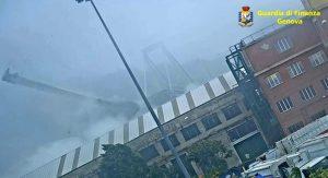 Ponte Morandi, VIDEO inedito: pilone cede e crolla tutto5