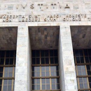 Tribunale di Milano. Negato all'imputato rinvio per assistere al parto della compagna