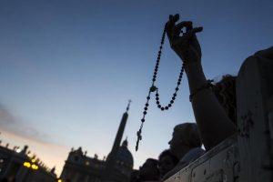 Latiano (Brindisi): bestemmie in diretta alla recita del rosario in streaming su Fb