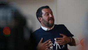 Italia, debito pubblico azzera risparmi, tedeschi oppressori, Salvini bullo ce la farà? (foto Ansa)