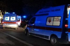 Nella foto un'ambulanza foto (foto Ansa)