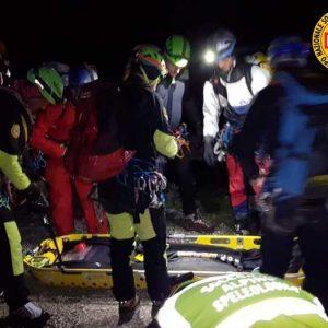 Fuoristrada si ribalta su Monte Giano: morta ragazza