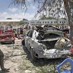 Somalia, commando di terroristi islamici assalta albergo a Kismayo: almeno 12 morti