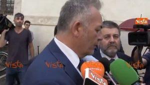 """Mario Cerciello Rega, il sindaco di Somma Vesuviana alla camera ardente: """"Chi lo ucciso è un animale"""""""