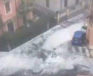 Verona, grandine come neve a luglio: la città imbiancata VIDEO