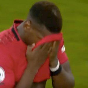 Pogba insulti fischi rigore sbagliato Manchester United Wolves