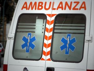 Cologna Veneta, frontale tra moto e furgone: morto 32enne