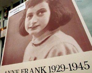Anna Frank, la Gestapo irrompe a casa sua ad Amsterdam il 4 agosto 1944: la cronaca ora per ora
