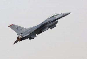 Usa, caccia Super Hornet si schianta nella Death Valley: morto il pilota