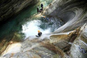 Gordona, precipitano mentre fanno canyoning: morti due turisti austriaci