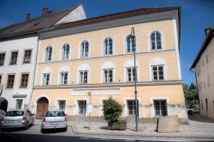 Austria, risolto il caso della casa natale di Hitler