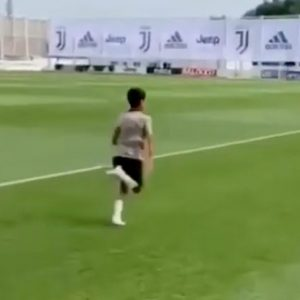 Cristiano Ronaldo allenamento figlio video YouTube