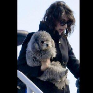 Elisa Isoardi è stata nominata Miss Coccolona 2019: è la vip che ha passato più tempo con gli animali