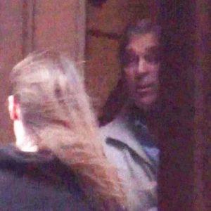 Il principe Andrea esce dalla casa di Jeffrey Epstein