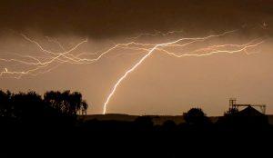 Sardegna, tempesta di fulmini si abbatte sull'isola: 15mila in sei ore