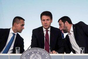 Governo, che succede adesso? Elezioni, rimpasto o tecnici... Salvini spinge per il voto