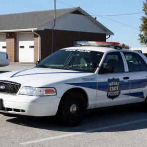 Indiana (Usa): pannolino sporco sull'auto della polizia