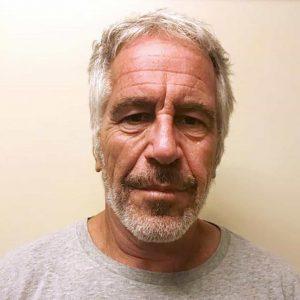 Jeffrey Epstein si è ucciso in cella impiccandosi con il lenzuolo della sua brandina