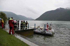 Lago d'Iseo, si tuffa per salvare il fratello che stava annegando: morti entrambi a Tavernola