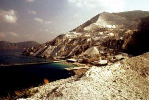 La spiaggia bianca di Lipari (Foto Ansa)