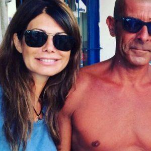 """Luca Laurenti è Padre Natura. Al mare con Susanna Messaggio che apprezza il """"corpo prestante"""""""